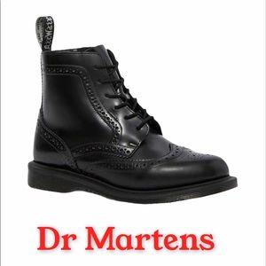 Dr Martens Delphine Brogued 6 Eyelet Size 9 1596